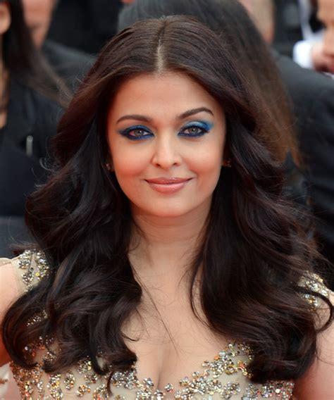 Aishwarya Rai Long Wavy Formal Hairstyle   Black Hair Color