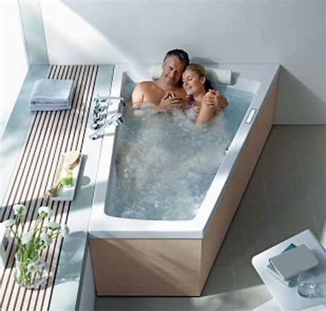 bathtubs for two the advantages and disadvantages of two person bathtubs