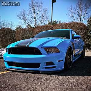Wheel Offset 2013 Ford Mustang Tucked Bagged