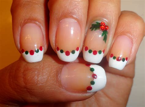 fancy schmancy nails day   days  christmas holly