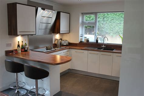 white gloss kitchen ideas white gloss kitchen hallmark kitchen designs