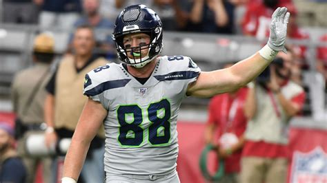 dissly injury update seahawks tight