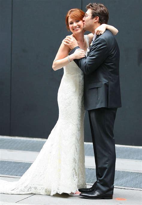 ellie kemper   office  married  longtime boyfriend michael koman   york ny