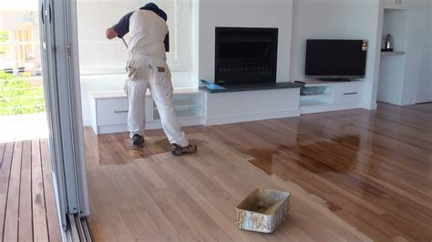Vinyl Kitchen Flooring Ideas - how to paint a wood floor paint or apply clear polyurethane or varnish to wood floor boards