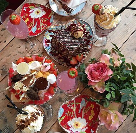 top desserts     england