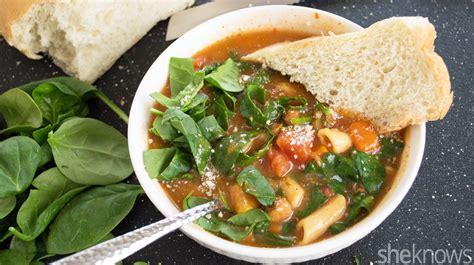 Copycat Olive Garden Minestrone Satisfies Your Soup