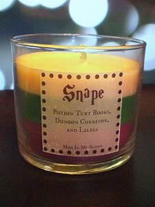 Bougie Harry Potter : harry potter themed candles capture the magical scents of the series harry potter pinterest ~ Melissatoandfro.com Idées de Décoration