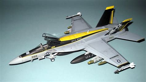 Review: F/A-18E Super Hornet 'VFA-27 Royal Maces 2013 ...