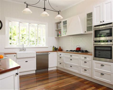 Shaker Style Kitchen With White Cabinet Home Design