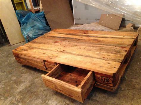 wooden tables palettentisch beistelltisch couchtisch aus europaletten