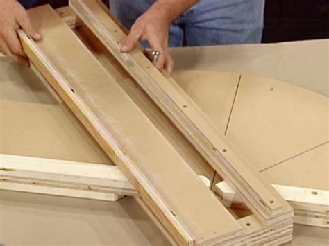 How To Make A Crosscut Platform For Your Circular Saw