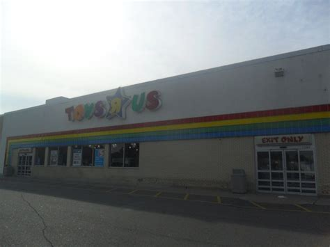 Office Depot Tukwila by Toys Quot R Quot Us In Southgate Mi Mall Madness R Us