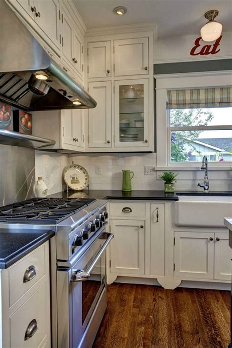 frame kitchen cabinets 25 best ideas about bungalow kitchen on 7120