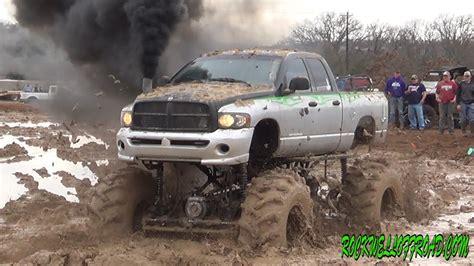 dodge mud truck big mud trucks battle dodge vs chevy doovi