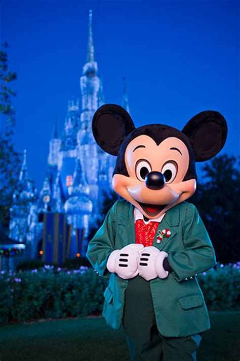 military discount prices on mickey s very merry christmas