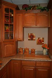 cinnamon oak kitchen cabinets design 1712