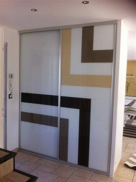 bureau d activité portes de placard coulissantes design en verre laqué