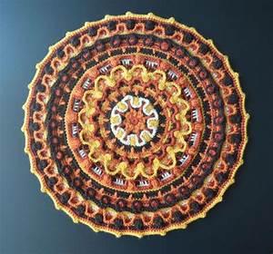Set De Table Au Crochet : mandala au crochet rond set de table d coration de taie d 39 oreiller et de m ditation knot so ~ Melissatoandfro.com Idées de Décoration
