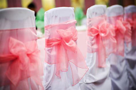 5 money saving wedding reception decorations