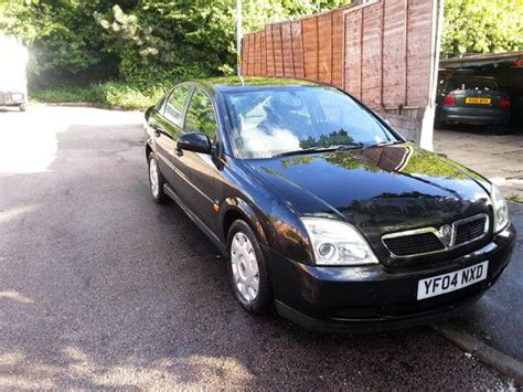 vauxhall vectra black vauxhall vectra cdti 1 9 2004 plate in black 90000 miles