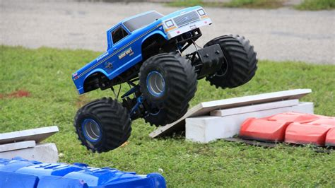 monster truck racing remote control monster trucks www imgkid com the image