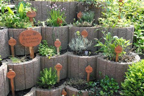 Ideen Für Kräutergarten kr 228 utergarten gestalten 21 ideen f 252 r gro 223 e und kleine g 228 rten