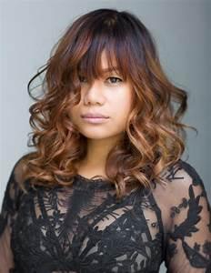 Balayage Cheveux Bouclés : cheveux couleur caramel pour raviver sa chevelure et ~ Dallasstarsshop.com Idées de Décoration