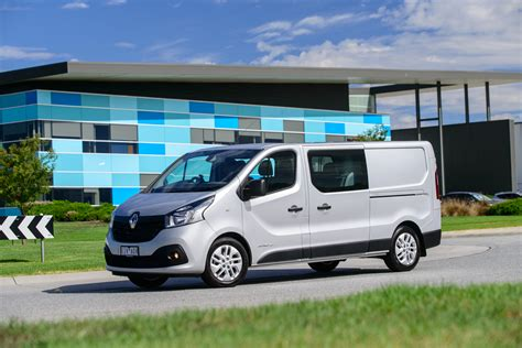 renault trafic 2017 2017 renault trafic crew review photos caradvice