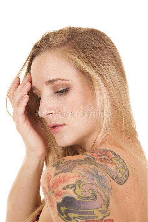 Tatouage Sur L épaule Tatouage De T 234 Te De Femme Sur L 233 Paule S 233 Rieuse Photo Stock Image 34661874