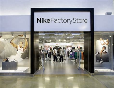 magasin canapé angers magasin nike à l atoll d 39 angers angers pratique