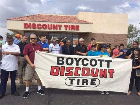 Amnesty Activists Target Auto Shop For Supporting Pro