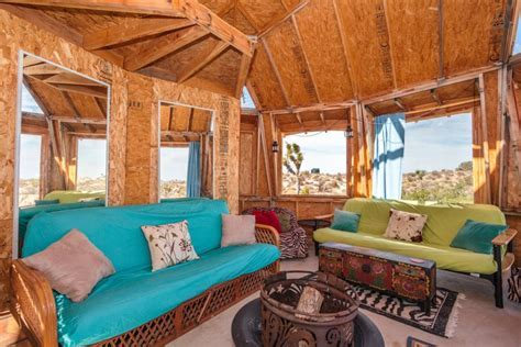 Dragonfly Desert Retreat offers complete off grid living