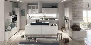 Moderne Küche Mit Kochinsel Holz : m bel bauer kg wohnbereiche ~ Bigdaddyawards.com Haus und Dekorationen