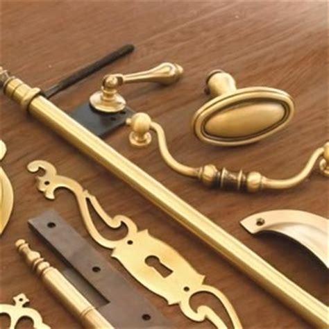 poignees et boutons de meubles de cuisine merveilleux poignees de meuble de cuisine 2 boutons et poign233es de meuble quincaillerie