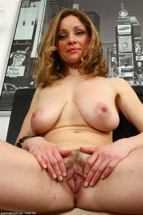 Natural Hairy Moms Pics 3 Pic Of 53