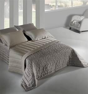 Lit En Solde : couvre lit en solde dessus de lit matelass x cm atmosphera with couvre lit en solde couette ~ Teatrodelosmanantiales.com Idées de Décoration
