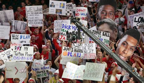 the 29 best signs from espn s college gameday at mckale center wildcats tucson