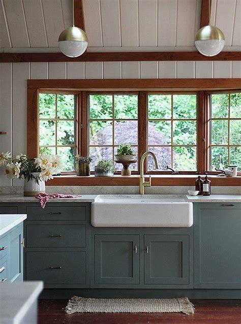 pictures of kitchen with white cabinets die besten 25 fensterbank innen holz ideen auf 9114