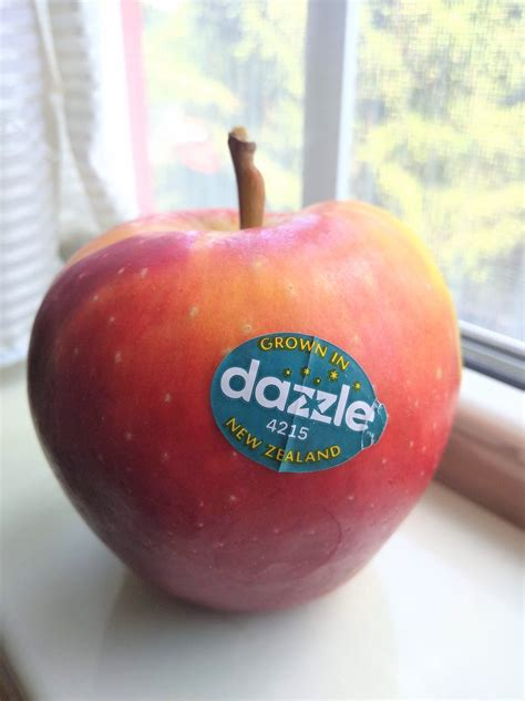 What is a Dazzle Apple? - Eat Like No One Else