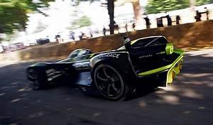 Pilote De Voiture : roborace une voiture de course sans pilote tait en d monstration goodwood ~ Medecine-chirurgie-esthetiques.com Avis de Voitures