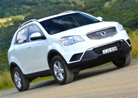 ssangyong korando 2014 ssangyong korando facelift spied here in 2014 photos 1
