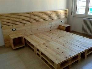 Comment Faire Un Lit En Palette : lit en palette de bois avec lumiere le site d co ~ Nature-et-papiers.com Idées de Décoration
