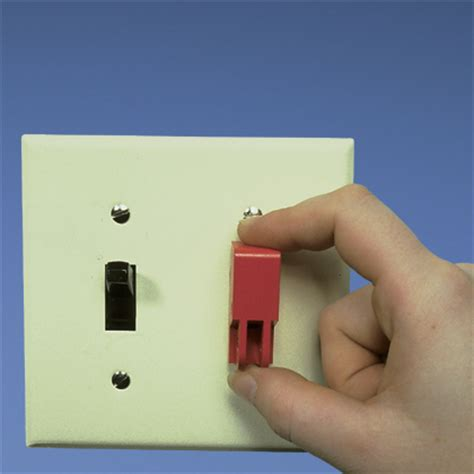 electrical switch lockout devices