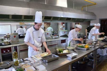 concours de cuisine pour apprentis alexandre etienne et friedrich respectivement meilleurs apprentis de moselle en cuisine et