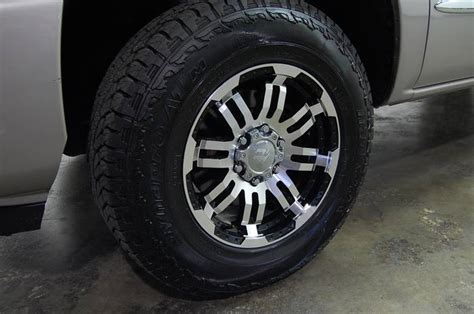 Does Anyone Know What Type Of Rims These Are