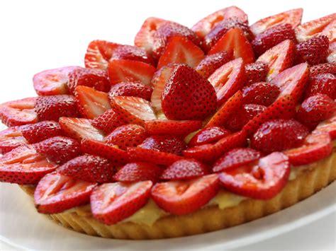 tarte aux fraises facile recette de tarte aux fraises facile marmiton