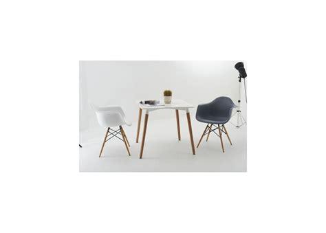 chaise daw eames location chaise en plastique eames daw semeubler com