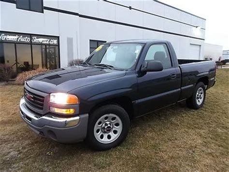buy car manuals 2002 gmc sierra 1500 parking system sell used 2006 gmc sierra regular cab w t v6 manual trans a c one owner in plainfield