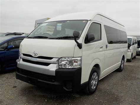 Picknbuy24 exports used cars all over the world. Japan used Toyota Hiace Commuter Wagon 2018 for Sale-3260413