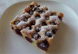 Kirschkuchen Blech Pudding : schneller kirschkuchen vom blech rezept essen und trinken ~ Lizthompson.info Haus und Dekorationen
